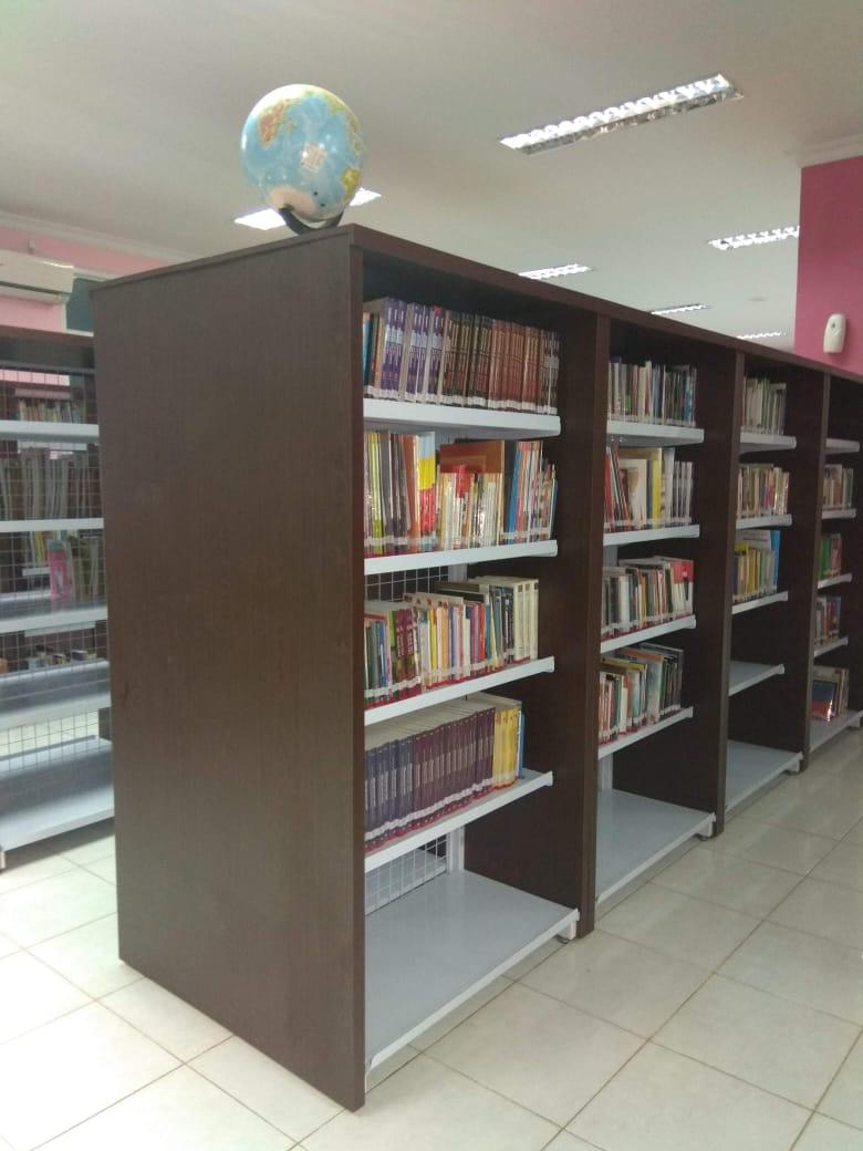 Rak Buku Perpustakaan Jogja